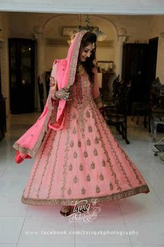 Dulhan Bride Indian Pakistani Desi South Asian Wedding