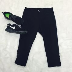 Cropped Black Leggings Cropped black workout leggings from Old Navy. Worn once, perfect condition! Features rouched legs near the bottom, mesh side pockets, and a credit card or key holder in the back. Size L fits true to size and sits higher on the waist Old Navy Pants Leggings