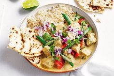 Curry in a hurry made at home? Ready in 15 minutes, this green chicken curry with a sprinkle of coconut sambal is perfect for a quick weeknight meal. Midweek Meals, Quick Weeknight Meals, Sambal Recipe, Curry In A Hurry, Condensed Milk Recipes, 15 Minute Meals, Easy Dinner Recipes, Dinner Ideas, Chicken Curry