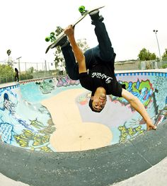 Carlin skates a pool, Gonzalez walks on walls and the bros gets shamed by a mysterious Euro thrashing machine.