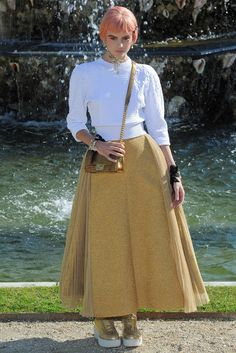 Chanel Resort 2013 Fashion Show - Montana Cox