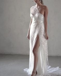 "Stunning Embellished One Shoulder Sweetheart Slit Sheath Wedding Dress / Bridal Gown with Open Back and a Train. Bridal Collection 2020 ""Lumière"" by Anna Campbell wedding dresses open back Anna Campbell ""Tate"". Cute Wedding Dress, White Wedding Dresses, Bridal Dresses, Wedding Gowns, Bridesmaid Dresses, Wedding White, Grecian Wedding Dresses, Wedding Dress Sheath, Summer Wedding"