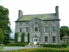 An important example of a mid eighteenth-century country house, Milltown Park House makes a valuable contribution to the architectural heritage of County Off. Small Country Homes, Country Houses, Monuments, Gable Wall, Georgian Style Homes, Old Mansions, Tower House, English Manor, Park Homes