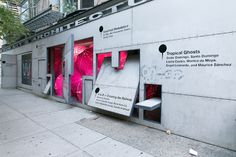 Storefront for Art and Architecture is a gallery in New York, designed by Steven Holl and Vito Acconci, aimed to promote art, architecture, and design Exhibition Stand Design, Exhibition Display, Steven Holl, Moving House, Store Fronts, Restaurant Design, Art And Architecture, Wall Design, Signage