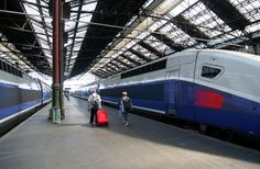 Paul walks to TGV in Brussels to go work in Geneva after break-up with Fiona