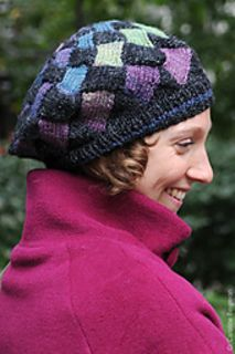 Free pattern for Fourth Grade Hat (entrelac)