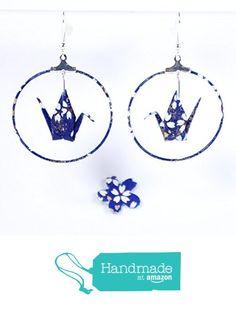 Boucles d'oreilles grues origami créoles bleues avec des petites fleurs blanches à partir des LePaslaid https://www.amazon.fr/dp/B01M4N6UVJ/ref=hnd_sw_r_pi_dp_YXG7ybNMW6BJ7 #handmadeatamazon