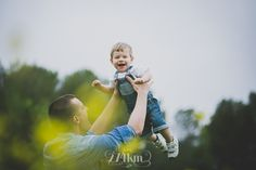sesión de fotos familiar y de bebé, sesión de fotos  en campo de graminias…