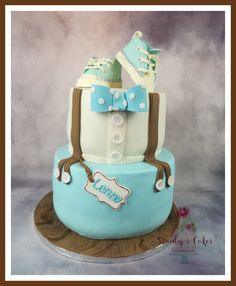 Christening cake with baby sneakers and braces Moustache Cake, Birth Cakes, Christening Cake Boy, Twins Cake, Cakes For Boys, Cake Decorating, Food And Drink, Birthday Cake, Desserts