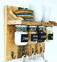 ave money with these cozy rustic home decor ideas! From DIY furniture to DIY wall art, there are over 100 DIY home decor ideas on a budget to choose from Space Saving Furniture, Home Furniture, Furniture Ideas, Unique Home Decor, Cheap Home Decor, Casa Hipster, Foodtrucks Ideas, Decoration Palette, Ideas Hogar