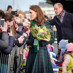 """Duke and Duchess of Cambridge (@kensingtonroyal) posted on Instagram: """"🏴 Wishing our Scottish followers a very happy #StAndrewsDay today!"""" • Nov 30, 2020 at 10:20am UTC Carole Middleton, Kate Middleton Et William, Princess Kate Middleton, Dundee, Meghan Markle, Duke And Duchess, Duchess Of Cambridge, Victoria Beckham, Windsor"""