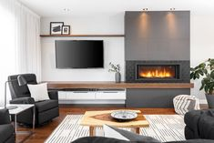 Living Room Decor Fireplace, Family Room Fireplace, Basement Fireplace, Home Fireplace, Fireplace Remodel, Fireplace Design, Open Plan Kitchen Living Room, Home Living Room, Living Room Designs