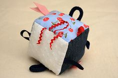 Taggie Cube Soft Toy Tutorial. Can't wait to make this for my little one! Also a perfect gift!