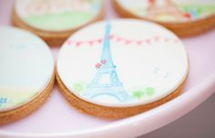 Eiffel tower cookie from Little Big Company vintage patisserie party