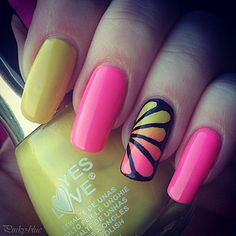 Nail art - gradient & accent nails - idea from bedizzle http://pinky-blue.over-blog.com