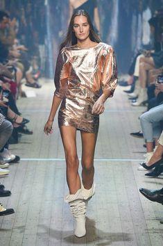 Isabel Marant Spring 2019 Ready-to-Wear Fashion Show - Mode Frauen Runway Fashion, Spring Fashion, High Fashion, Fashion Show, Fashion Outfits, Fashion Tips, Fashion Design, Fashion Trends, Fashion Women