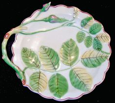 """""""Dr. Wall"""" First Period Worchester Soft Paste Hand Painted Porcelain Cracker Dish. England, ca.1770."""