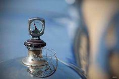 Blue AC vintage car photography by UnAirDeParisByAlbane