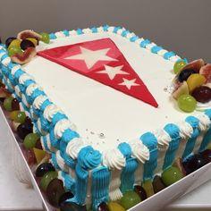 田島ルーフィングさんのケーキ Big Cakes, Birthday Cake, Desserts, Food, Tailgate Desserts, Birthday Cakes, Meal, Tall Cakes, Dessert