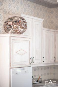 Rustic Kitchen, Kitchen Cabinets, Home Decor, Kitchen Cupboards, Homemade Home Decor, Primitive Kitchen, Decoration Home, Kitchen Rustic, Kitchen Shelves