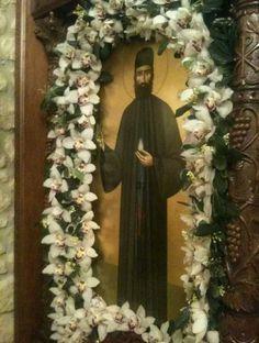 Στις 3 Ιανουαρίου γιορτάζει ο Αγ.Εφραίμ, ο θαυματουργός, στη Νέα Μάκρη Αττικής. Byzantine Icons, Holy Family, Holi, Ladder Decor, Jesus Christ, Saints, Greek, Flowers, Sagrada Familia