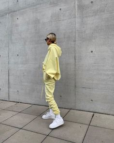 Best Sweatsuit Ideas To Feel Comfortable And Look Good 39 Chill Outfits, Mode Outfits, Cute Casual Outfits, Fashion Outfits, Stylish Outfits, Summer Outfits, Men Casual, Look Fashion, Winter Fashion