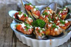 grilled mussel in feta cheese