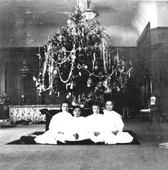Grand Duchesses during Christmas