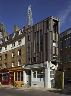 Alex Monroe Studio (DSDHA: London, United Kingdom)This three-story timber-framed addition to a triangular building in London Contemporary Architecture, Interior Architecture, Architecture Wallpaper, Parasitic Architecture, Habitat Collectif, Agi Architects, World Architecture Festival, Alex Monroe, Roof Extension