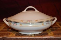 Vintage Meito China Floral Rim w/ Gold Trim Hand Painted Covered Serving Bowl…