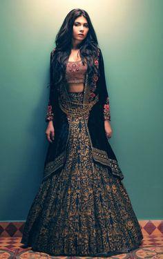 Tena Durrani Formals, F/W 2015 Desi Bridal Shaadi Indian Pakistani Wedding Mehndi Walima Lehenga / Pakistani Bridal, Pakistani Dresses, Indian Dresses, Western Dresses, India Fashion, Ethnic Fashion, Asian Fashion, European Fashion, High Fashion