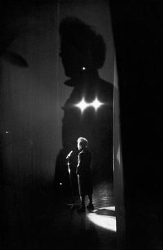 Edith Piaf  performing Paris, 1961 www.girlsguidetoparis.com