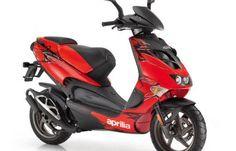 Moto APRILIA SR 50 Street, Paradise Moto, Concessionnaire MV Agusta, Triumph et MBK, Paris Etoile