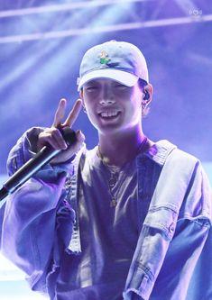 "iKON HQ PHOTOGRAPHS 📸 on Twitter: ""[190514] 명지대학교 백마축제 _ PHOTO   김지원 Bobby バビ  COPYRIGHT   1221HZ님… "" Bobby S, Ikon Debut, Show Me The Money, Hanbin, Yg Entertainment, Swagg, Kpop, Diving, Babe"