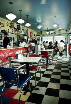 I Love The 50 S Diner Look Retro Kitchen Diner Decor