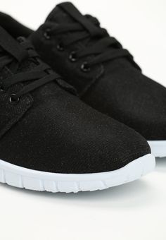 Czarne Tenisówki Shelley - born2be.pl All Black Sneakers, Clothes, Shoes, Fashion, Outfits, Moda, All Black Running Shoes, Clothing, Zapatos