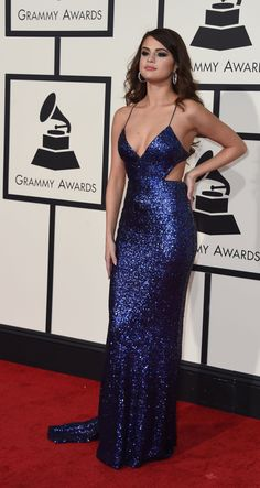 Dresses Best Looks: Selena Gomez. From decadent Marchesa dresses to Versace power suits, Selena Gomez can wear it all, flawlessly and In Oscar de la Renta and Giuseppe Selena Gomez Fashion, Selena Gomez Fotos, Selena Gomez Outfits, Vestido Selena Gomez, Selena Gomez Photoshoot, Selena Gomez Pictures, Selena Gomez Style, Selena Dresses, Celebrity Dresses