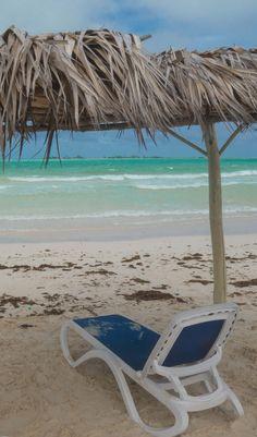 O que fazer em Cayo Guillermo e Cayo Coco? Playa Pilar e mais dicas! Cayo Guillermo Cuba, Cayo Coco, Resorts, Outdoor Decor, Night Show, Travel Tips, Destinations, Beach Resorts