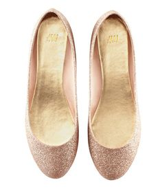 H&M; Shoes $17.95 .. Whyyy do I always feel like I look weird in flats though? -_-