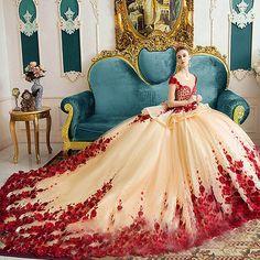 Luxury Wedding Dress 2017 Dubai wedding gowns vestido de noiva Robe De Mariage S. Top Wedding Dresses, Luxury Wedding Dress, Princess Wedding Dresses, Wedding Gowns, Dubai Wedding, Bride Dresses, Quince Dresses, Ball Dresses, Ball Gowns