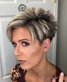 Short Hair Over 60, Short Choppy Hair, Super Short Hair, Short Thin Hair, Short Hair Older Women, Haircut For Older Women, Short Pixie, Short Hair Undercut, Thin Hair Haircuts