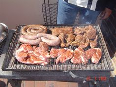 Braai Real Food Recipes, Dessert Recipes, Desserts, On A Sunday Afternoon, Lamb Chops, Food Preparation, Yummy Treats, South Africa, Sausage