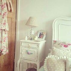 Cute bedroom-village mood-sweet clima