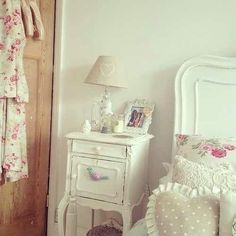 Cute bedroom-village mood-sweet clima