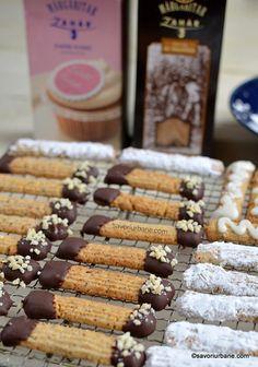Fursecuri șprițate cu nucă sau alune de pădure - fragede și aromate | Savori Urbane Biscuits, Food And Drink, Cookies, Baking, Cake, Desserts, Recipes, Bun Bun, Pastries