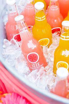 pink and orange drinks Fun wedding ideas decor inspiration ideas Beautiful offbeat Orange Party, Orange Drinks, Colorful Drinks, Fruit Drinks, Party Drinks, Cold Drinks, Beverages, Modern Wedding Inspiration, Daily Inspiration