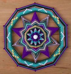 ❤⊰❁⊱ Mandala⊰❁⊱ Amethyst Pentagram, a 20 inch Ojos de Dios by Jay Mohler Mandala Art, Mandalas Painting, Mandalas Drawing, Mandala Design, Weaving Projects, Weaving Art, God's Eye Craft, Gods Eye, Passementerie