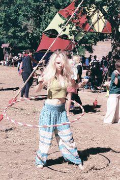 The 100 roll project Festivals, Rolls, Film, Pants, Fashion, Movie, Trouser Pants, Moda, Film Stock
