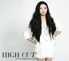 Child star, Kim Yoo-jung, growing up before our eyes into a lovely young lady...can you believe this girl is only 12!?