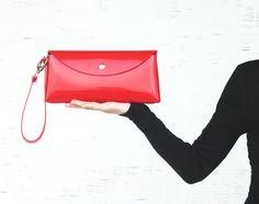 Women's handmade handbag. Red clutch wristlet.Shoulder by Dagabags, €30.00